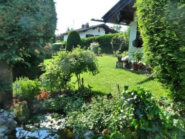 Ferienwohnungen – Gartenansicht